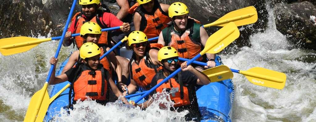 Zoar grap rafting group rafting in rapids